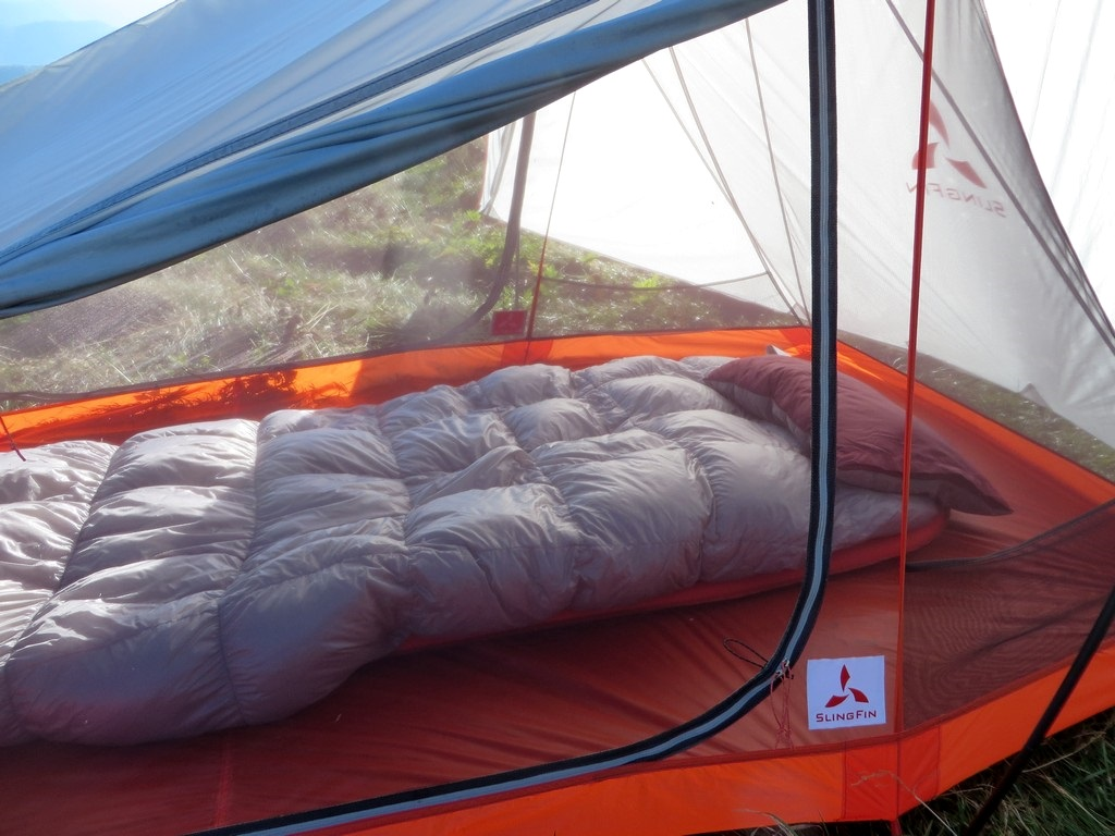 Setup is super easy requiring only 7 stakes to get a solid pitch. Simply stake out the body insert the poles clip to body to it and throw on the rainfly. & Slingfin 2Lite Backpacking Tent Review | TreeLineBackpacker
