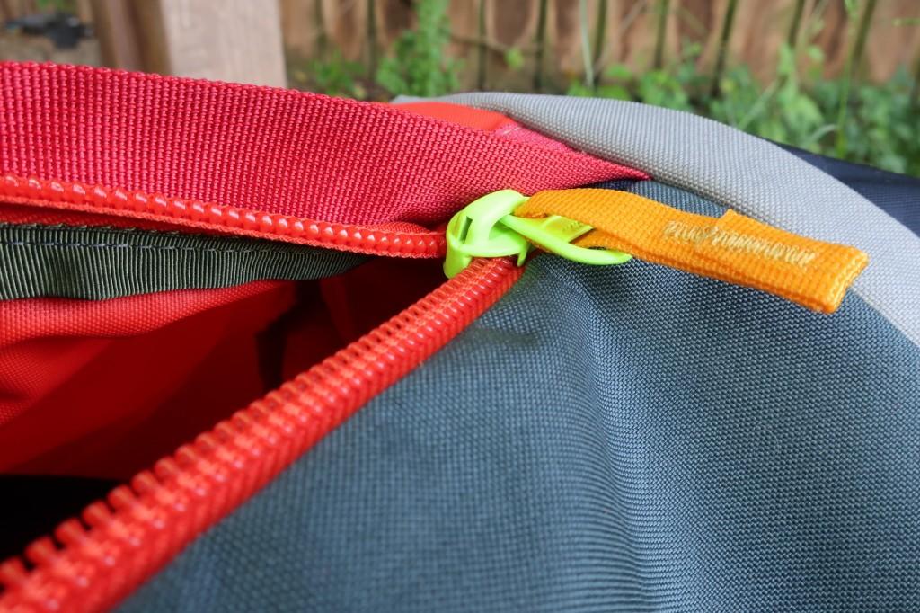 Cotopaxi Uyuni Duffel Review zipper